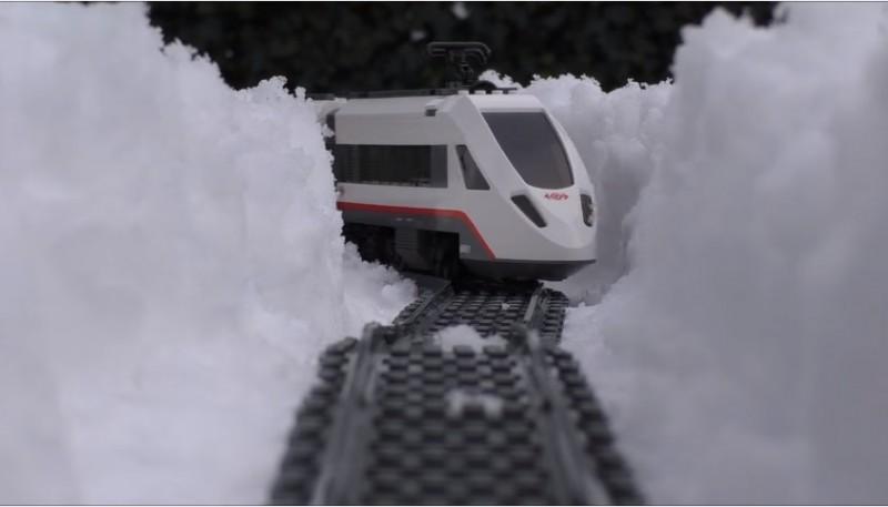 lego tren nieve